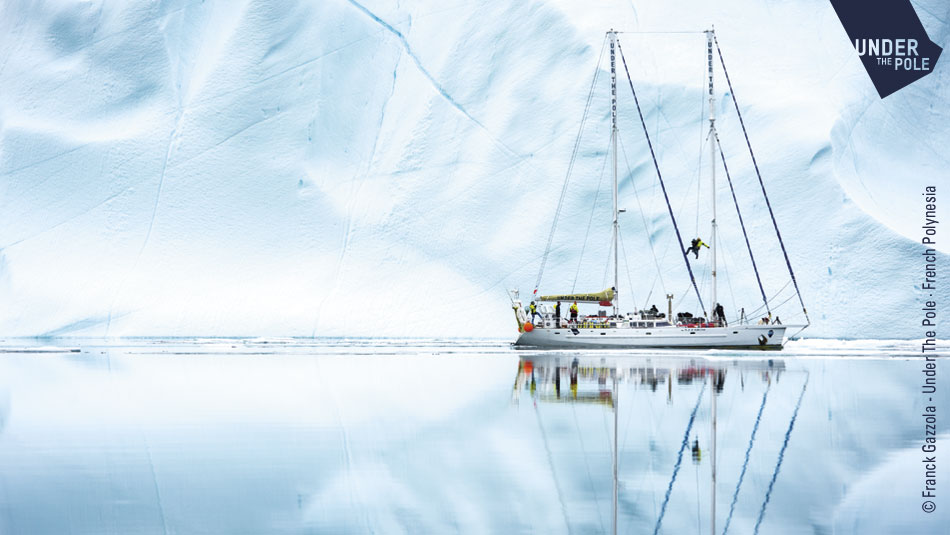 Bateau Under the Pole en Antarctique